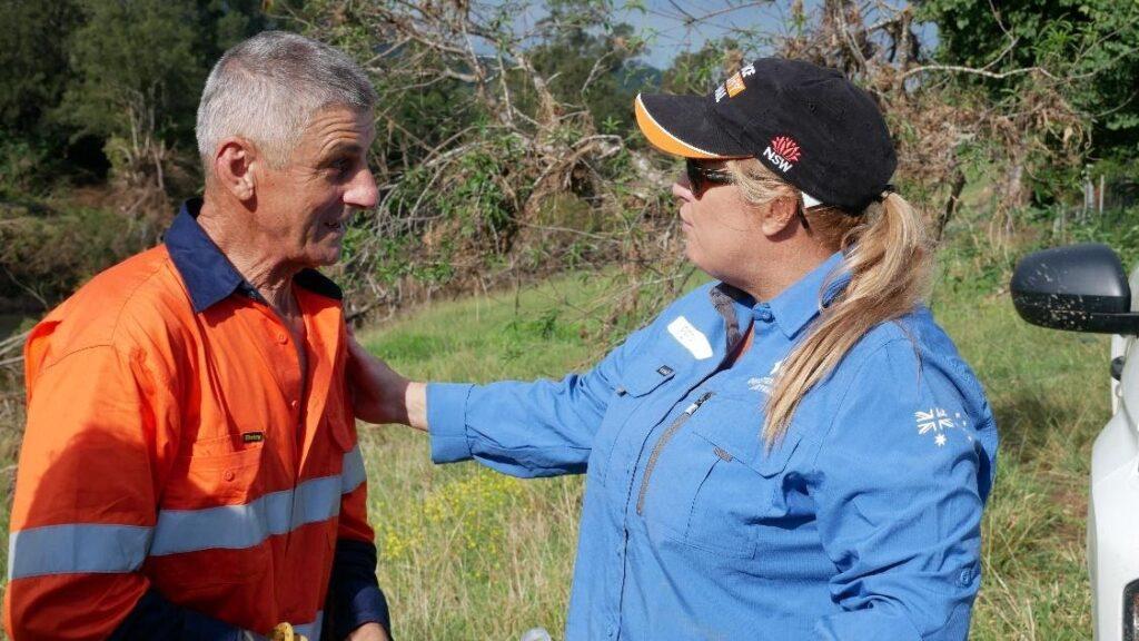 Port Macquarie-Hastings Mayor Pinson Volunteers for Flood Recovery 3